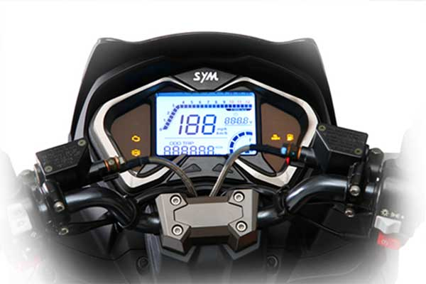 Trendy 5-inch LCD Instrument providing all the riding information at a glance.