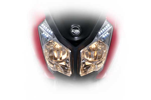 Dual bright headlight 35/35W and LED position light for a better visibility in urban riding.